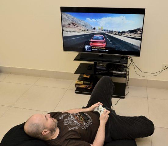 Игра в Asphalt 8 в Android TV
